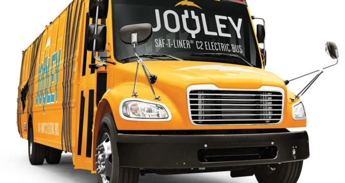 fronte dello scuolabus elettrico americano Jouley