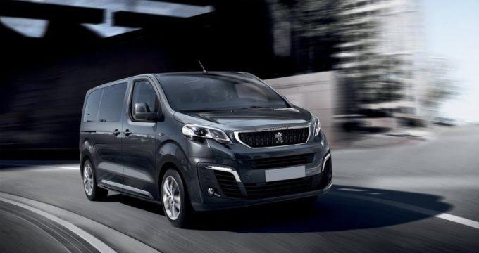 Nuovo Peugeot Traveller 2018 su strada - Furgone No Problem